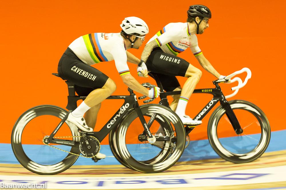 Mark Cavendish en Sir Bradley Wiggins staan aan de leiding van de zesdaagse